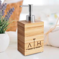 Αξεσουάρ μπάνιου, Αντλία κρεμοσάπουνου από bamboo, με αρχικά