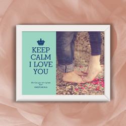 prosopopoihmeno-kadro-keep-calm-i-love-you-me-afiervsh-hmeromhnia-dvro-agioy-valentinoy-familyandfriends.gr-photo-250x250